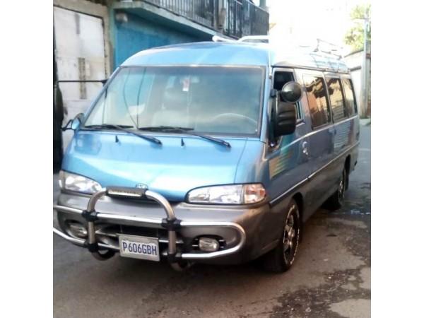 HYUNDAI GRACE MODELO 2000